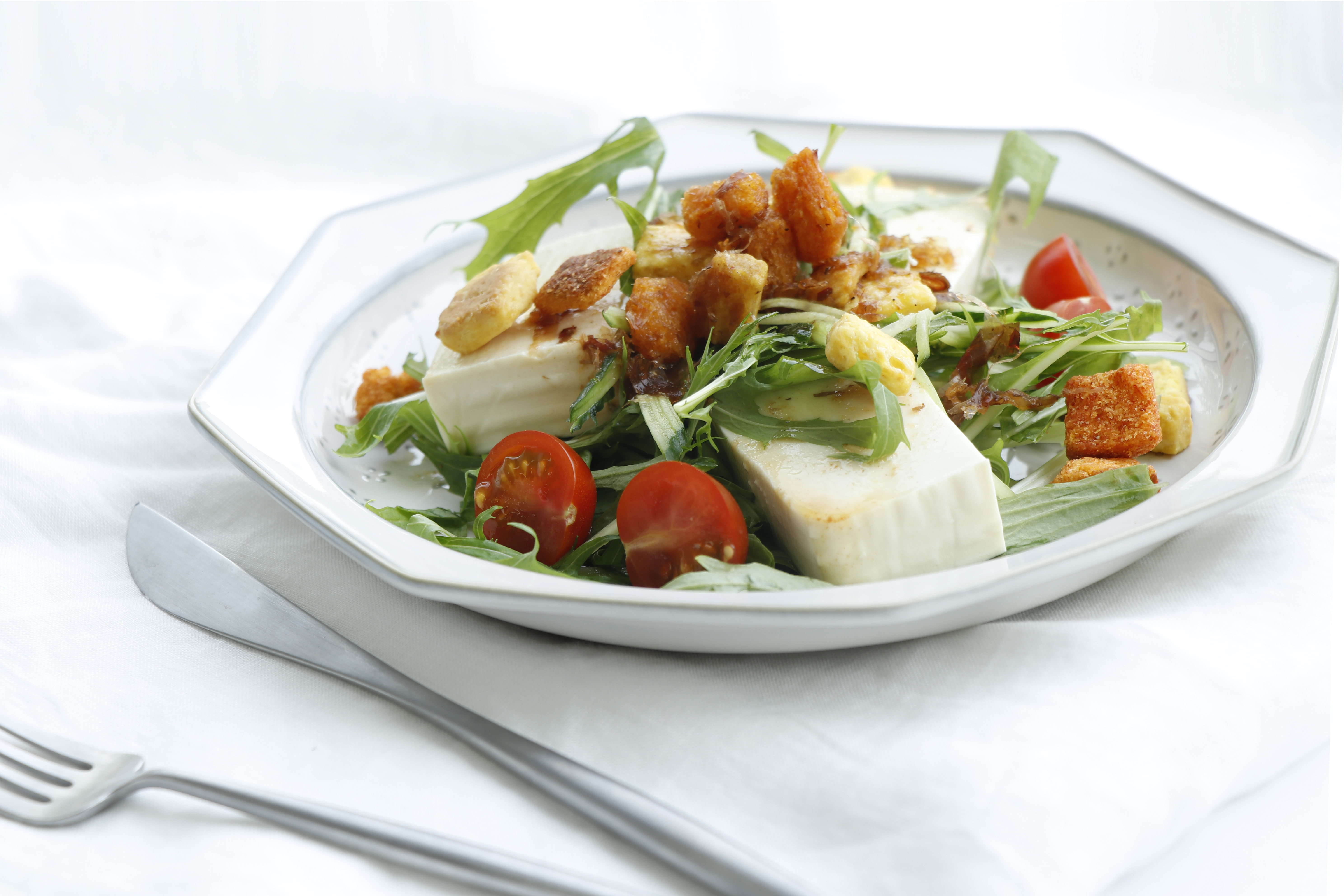 クルトンのお豆腐サラダ